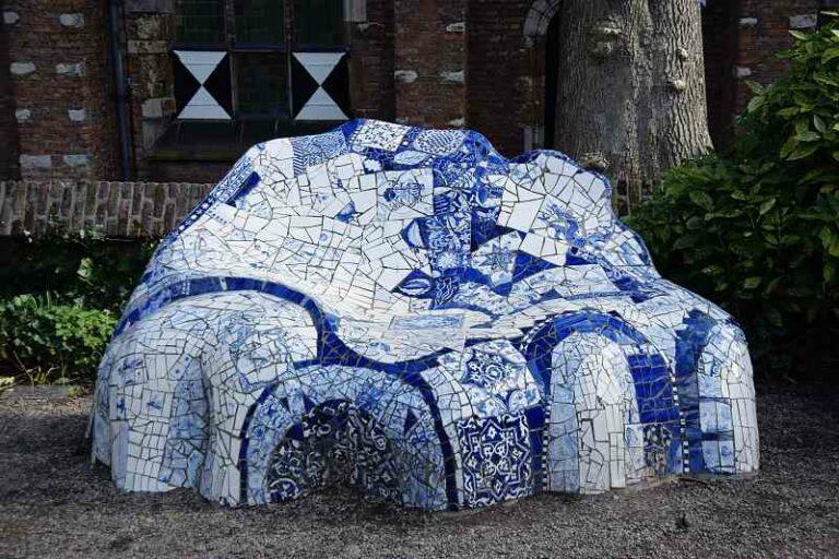 Delfts blauw bankje in Delft