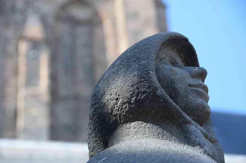 Standbeeld Geertrui van Oosten in Delft